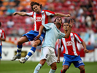 Photo: Maarten Straetemans.<br /> Lazio v Athletico Madrid. LG Amsterdam Tournament. 04/08/2007.<br /> Maniche (left) with Simone Del Nero of Lazio
