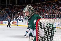 KELOWNA, CANADA - FEBRUARY 2:  Carter Hart #70 of the Everett Silvertips stands in net during first period against the Kelowna Rockets on FEBRUARY 2, 2018 at Prospera Place in Kelowna, British Columbia, Canada.  (Photo by Marissa Baecker/Shoot the Breeze)  *** Local Caption ***