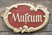 Schild Museum, Stadtschloss Hohhaus, Lauterbach, Vogelsberg, Hessen, Deutschland | sign museum Hohaus, Lauterbach, Vogelsberg, Hesse, Germany