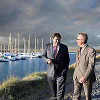 Nederland, Kamperland , 15 december 2010..Henk van Koeveringe, CEO Roompot Vakanties en PWC man Leon de Zwart (r) op locatie bij een jachthaven van Roompot Vakantiepark in Kamperland..Foto:Jean-Pierre Jans