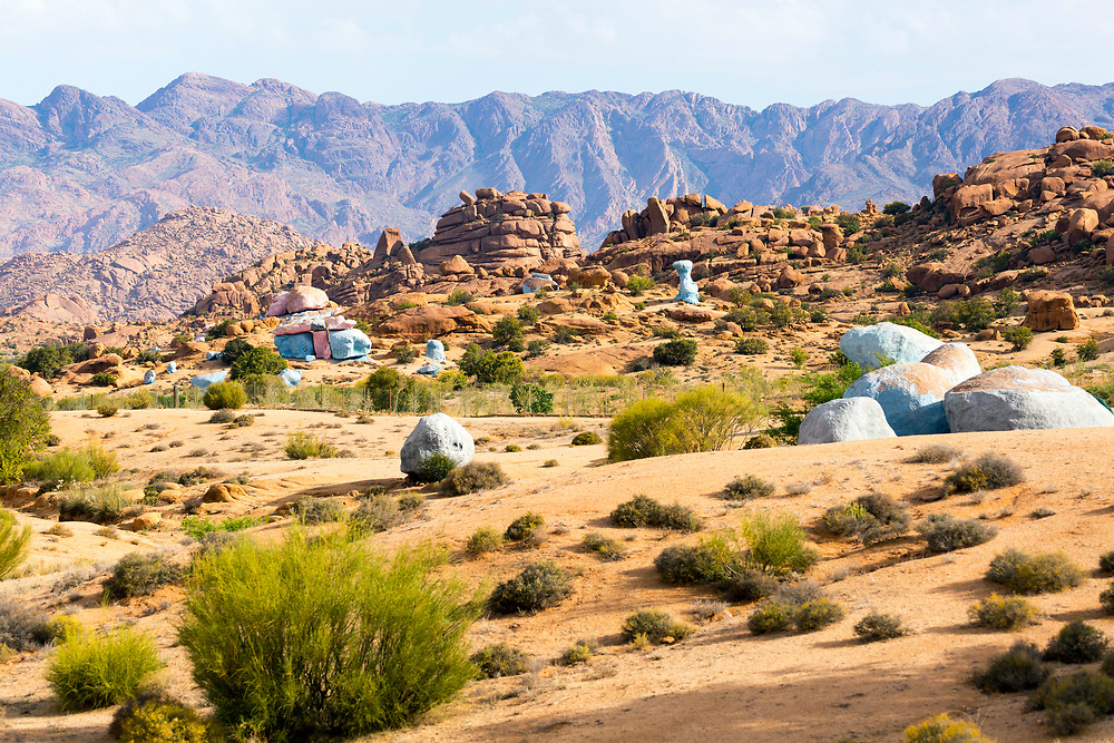Les roches bleu / le roches peintes / the blue rocks / the painted rocks of Tafraoute, Anti Atlas Mountains, Souss Massa Draa, Anti Atlas Mountains, Souss Massa Draa region of Southern Morocco.