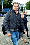 Amsterdam City Swim 2017, een zwemtocht van 2017 meter door de Amsterdamse grachten. Het evenement heeft als doel aandacht vragen voor ALS en geld bijeen brengen voor deze meedogenloze en ongeneselijke ziekte. <br /> <br /> Op de foto:  Pieter van den Hoogenband