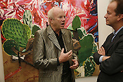 JAMES ROSENQUIST AND GRAHAM SOUTHERN. James Rosenquist private view. Haunch of Venison. London. 10 October 2006. -DO NOT ARCHIVE-© Copyright Photograph by Dafydd Jones 66 Stockwell Park Rd. London SW9 0DA Tel 020 7733 0108 www.dafjones.com
