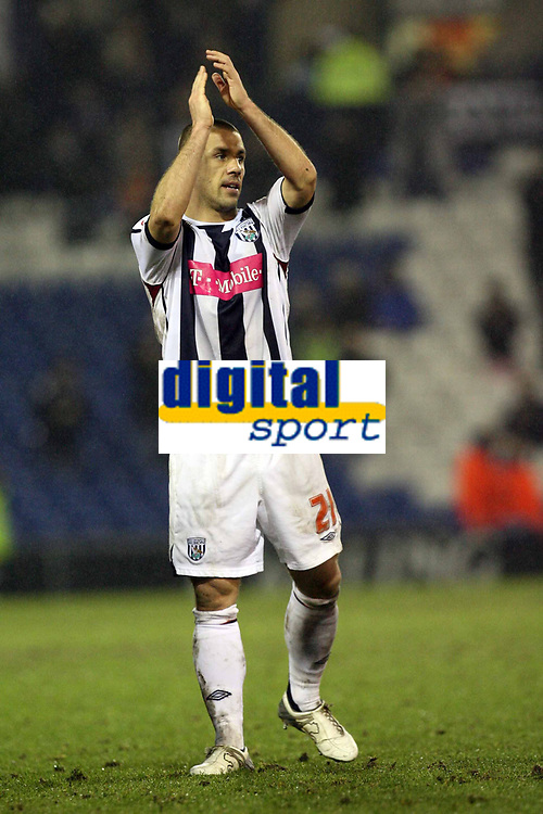 Photo: Rich Eaton.<br /> <br /> West Bromwich Albion v Luton Town. Coca Cola Championship. 12/01/2007. Kevin Phillips of West Brom applauds the crowd at the end of the game after scoring the winner to make it 3-2 in extra time