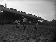 16/01/1955<br /> 01/16/1955<br /> 16 January 1955 <br /> Soccer: Shelbourne v Waterford at Dalymount Park, Dublin.