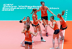 10–01-2020 NED: Olympic qualification tournament women Netherlands - Poland, Apeldoorn<br /> The Dutch volleyball players lost the third group match of the OKT in Apeldoorn 3-1 against Poland / Floortje Meijners #8 of Netherlands, Nika Daalderop #19 of Netherlands, Laura Dijkema #14 of Netherlands, Yvon Beliën #3 of Netherlands, Myrthe Schoot #9 of Netherlands