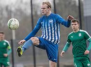FODBOLD: Matthias Timmermann (Karlslunde) sparker væk under kampen i Danmarksserien mellem Karlslunde IF og Fredensborg BI den 4. november 2017 på Karlslunde Stadion. Foto: Claus Birch