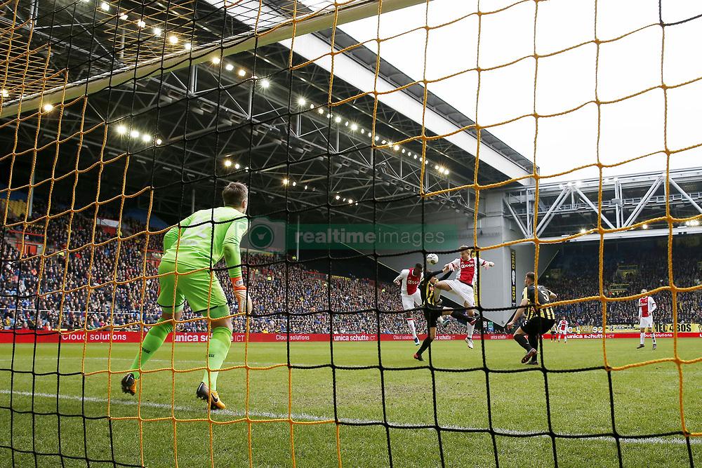 (L-R) goalkeeper Remko Pasveer of Vitesse, Mateo Cassierra of Ajax, Vyacheslav Karavaev of Vitesse, Matthijs de Ligt of Ajax, Matt Miazga of Vitesse 2-1 during the Dutch Eredivisie match between Vitesse Arnhem and Ajax Amsterdam at Gelredome on March 04, 2018 in Arnhem, The Netherlands