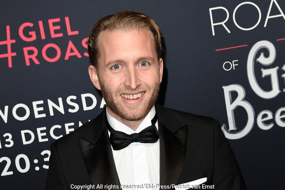 Rode loper Roast of Giel.  In het programma van Comedy Central is een bekende Nederlander een avond lang het onderwerp van harde grappen.<br /> <br /> Op de foto:  Peter Pannekoek