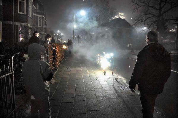 Nederland, Nijmegen, 1-1-2012Nieuwjaar met vuurwerk in Nijmegen-oost.Foto: Flip Franssen/Hollandse Hoogte