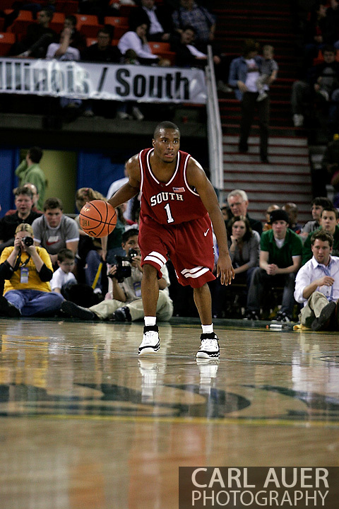 24 November 2005: Junior guard Tre Kelly (1) of South Carolina brings the ball down the court in the Gamecock's 65 - 60 victory over the University of Alaska Anchorage Seawolves in the first round of the Great Alaska Shootout at the Sullivan Arena in Anchorage Alaska.