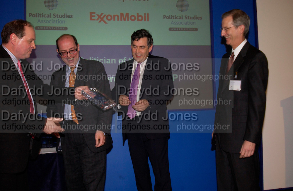 Jim Naughtie, Gordon Brown, Nick Robinson and Robert Olsen, Political Studies Association Awards 2004. Institute of Directors, Pall Mall. London SW1. 30 November 2004.  ONE TIME USE ONLY - DO NOT ARCHIVE  © Copyright Photograph by Dafydd Jones 66 Stockwell Park Rd. London SW9 0DA Tel 020 7733 0108 www.dafjones.com