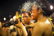 Despite being the local host of this Indigenous Festival, the Guarani people are usually very shy, and just a few of them went to the Festival. Around Bertioga town there are communities in  Guarani's lands. They survive between the transition of being indigenous with access to all the city's culture and consume, but being poor and denied by the local community.<br />