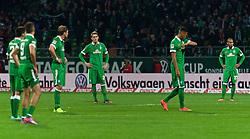 24.10.2014, Weserstadion, Bremen, GER, 1. FBL, SV Werder Bremen vs 1. FC Köln, 9. Runde, im Bild 24.10.2014, Weserstadion, Bremen, GER, 1. FBL, 9. Spieltag, SV Werder Bremen vs 1. FC Koeln / Köln, im Bild, von vorne, Franco Matías Di Santo / Franco Matias Di Santo (SV Werder Bremen #9), Santiago Garcia (SV Werder Bremen #2), Sebastian Proedl / Prödl (SV Werder Bremen #15), Davie Selke (SV Werder Bremen #27), Nils Petersen (SV Werder Bremen #24) und Theodor Gebre Selassie (SV Werder Bremen #23) konsterniert nach dem Abpfiff // during the German Bundesliga 9th round match between SV Werder Bremen and 1. FC Cologne at the Weserstadion in Bremen, Germany on 2014/10/24. EXPA Pictures © 2014, PhotoCredit: EXPA/ Andreas Gumz<br /> <br /> *****ATTENTION - OUT of GER*****