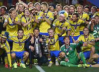FUSSBALL: UEFA  U21-EUROPAMEISTERSCHAFT  2015  FINALE Schweden - Portugal     30.06.2015  Schweden ist Europameister 2015: in der ersten Reihe feiern, Isaac Kiese Thelin, Branimir Hrgota, Trainer Hakan Ericson, Oscar Hiljemark, Torwart Patrik Carlgren und Victor Lindeloef
