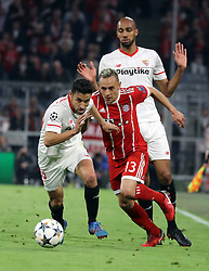 11.04.2018, Allianz Arena, Muenchen, GER, UEFA CL, FC Bayern Muenchen vs Sevilla FC, Viertelfinale, R&uuml;ckspiel, im Bild Jesus Navas und Rafinha // during the UEFA Champions League Quarterfinal, 2nd leg Match between FC Bayern Muenchen vs Sevilla FC at the Allianz Arena in Muenchen, Germany on 2018/04/11. EXPA Pictures &copy; 2018, PhotoCredit: EXPA/ SM<br /> <br /> *****ATTENTION - OUT of GER*****