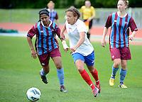 Sarah Gregorius of Auckland football looks for options, in the ASB women's league match between Football South and Auckland Football, at the Caledonian Ground, Dunedin, New Zealand,  20 October 2013. Credit: Joe Allison / allisonimages.co.nz