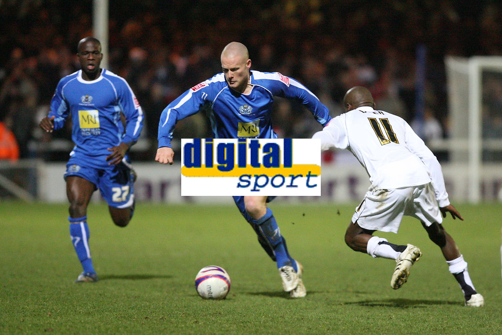 Photo: Pete Lorence/Sportsbeat Images.<br />Peterborough United v Milton Keynes Dons. Coca Cola League 2. 15/12/2007.<br />Josh Low on the attack.