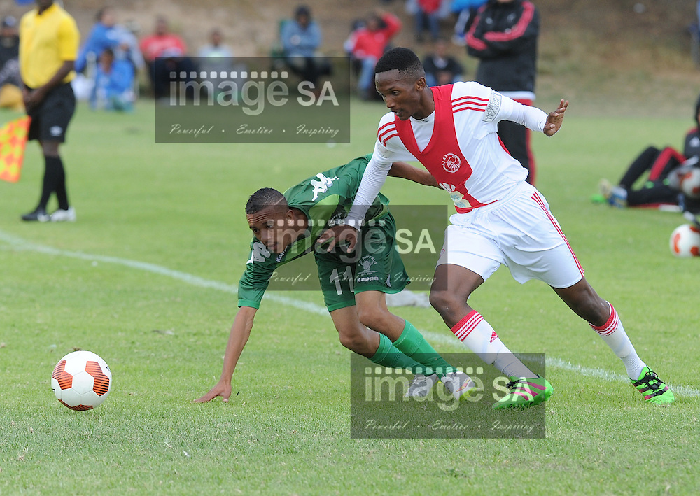 CAPE TOWN, SOUTH AFRICA - Saturday 26 March 2016, Daylin Pretorius (Riverside FC) en Litha Dakuse(Ajax CT) during the fourth day of the Metropolitan U19 Premier Cup at Erica Park in Belhar. <br /> Photo by ImageSA