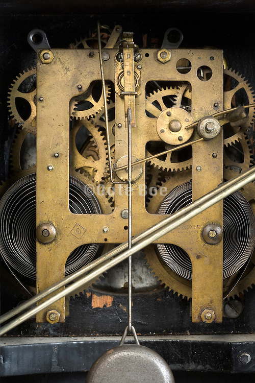 inside of an antique clockwork