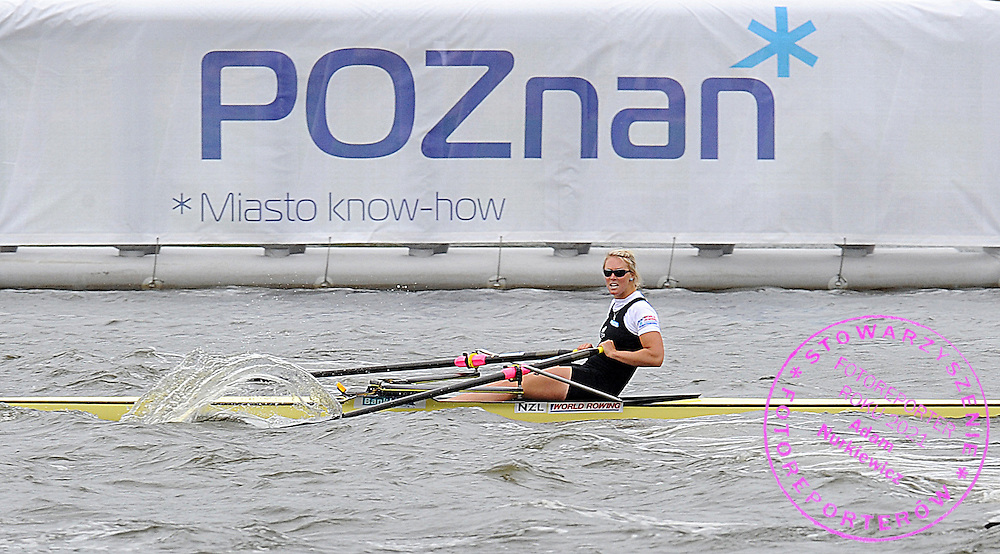 EMMA TWIGG (NEW ZEALAND) COMPETES IN THE FINAL A WOMEN'S SINGLE SCULLS DURING DAY SEVEN OF REGATTA WORLD ROWING CHAMPIONSHIPS ON MALTA LAKE IN POZNAN, POLAND...POZNAN , POLAND , AUGUST 29, 2009..( PHOTO BY ADAM NURKIEWICZ / MEDIASPORT )..PICTURE ALSO AVAIBLE IN RAW OR TIFF FORMAT ON SPECIAL REQUEST.