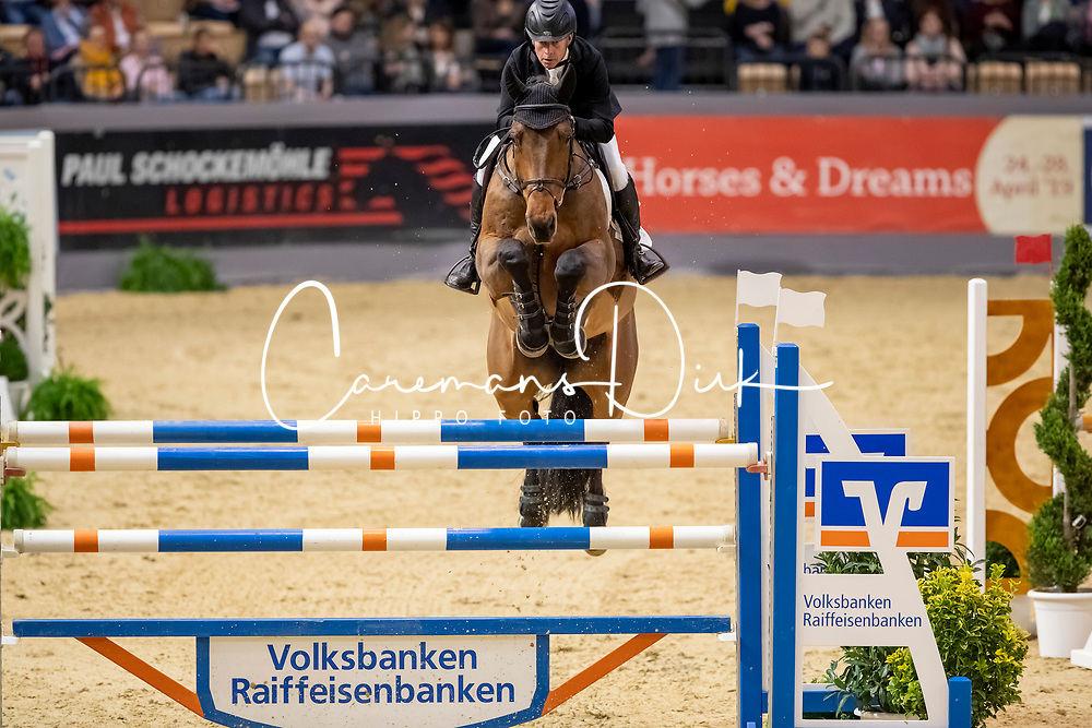 Bengtsson Rolf Goran, SWE, Oak Grove's Carlyle<br /> Grand Prix Jumping<br /> Neumünster - VR Classics 2019<br /> © Hippo Foto - Stefan Lafrentz