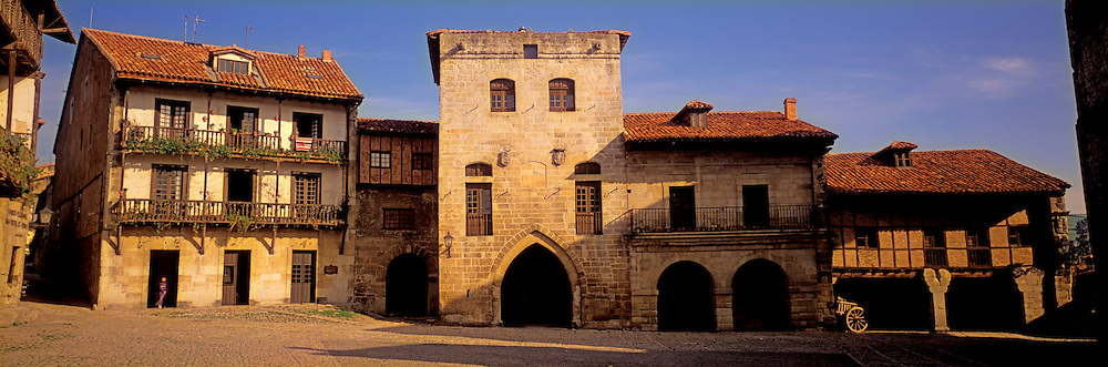 SPAIN, NORTH, CANTABRIA Santillana del Mar; medieval town