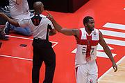 DESCRIZIONE : Milano NBA Global Games EA7 Olimpia Milano - Boston Celtics<br /> GIOCATORE : Jamal McLean<br /> CATEGORIA : Mani composizione curiosit&agrave;<br /> SQUADRA :  Olimpia EA7 Emporio Armani Milano<br /> EVENTO : NBA Global Games 2016 <br /> GARA : NBA Global Games EA7 Olimpia Milano - Boston Celtics<br /> DATA : 06/10/2015 <br /> SPORT : Pallacanestro <br /> AUTORE : Agenzia Ciamillo-Castoria/IvanMancini<br /> Galleria : NBA Global Games 2016 Fotonotizia : NBA Global Games EA7 Olimpia Milano - Boston Celtics