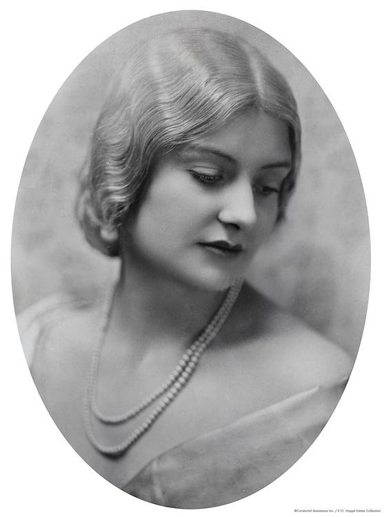 Miss Gabe Gilroy, USA, 1926