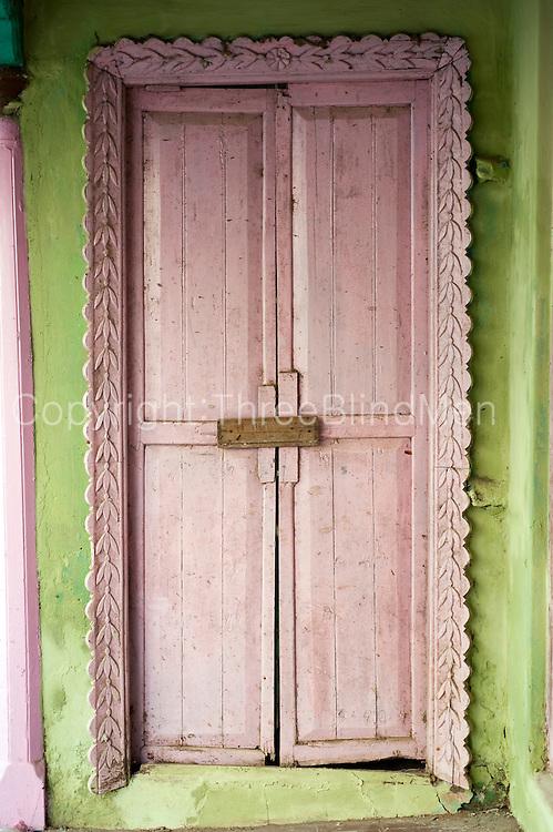 Pink door. Nagore.