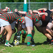 Nederland Rotterdam 27 September 2009 20090927 ..Sport, rugby. Twee studenten teams in scrum tijdens wedstrijd. Links: De Rotterdamse Studenten Rugby Club RSRC. 2 college teams in scrum.                ..Foto: David Rozing