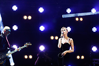 Wolf Alice performing