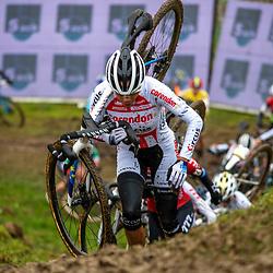 2019-12-14 Cycling: dvv verzekeringen trofee: Ronse: Ceylin del Carmen Alvararod heading to another win
