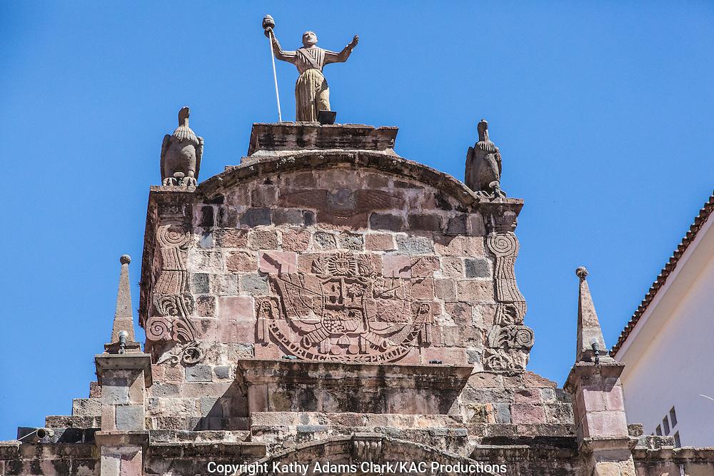 The Arco de Santa Clara between the Plaza San Francisco and Calle Santa Clara, Cusco, Peru.