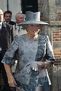 Zijne Hoogheid Prins Floris van Oranje Nassau, van Vollenhoven en mevrouw mr. A.L.A.M. S&ouml;hngen zijn zaterdag 22 oktober in de kerk van Naarden in het  huwelijk getreden. De prins is de jongste zoon van Prinses Magriet en Pieter van Vollenhoven.<br /> <br /> Church Wedding Prince Floris and Aim&eacute;e S&ouml;hngen. <br /> <br /> Church Wedding Prince Floris and Aim&eacute;e S&ouml;hngen in Naarden. The Prince is the youngest son of Princess Margriet, Queen Beatrix's sister, and Pieter van Vollenhoven. <br /> <br /> Op de foto / On the photo;<br /> <br /> <br /> <br /> Koningin Beatrix / Queen Beatrix