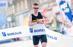 15.04.2018, Linz, AUT, Oberbank Linz Donau Marathon, während des Linz Donau Marathon am Sonntag, 15. April 2018, in Linz, im Bild Jacob Eggers (USA) // Jacob Eggers of United States of America during the Oberbank Linz Donau Marathon in Linz, Austria on 2018/04/15. EXPA Pictures © 2018, PhotoCredit: EXPA/ Michael Gruber