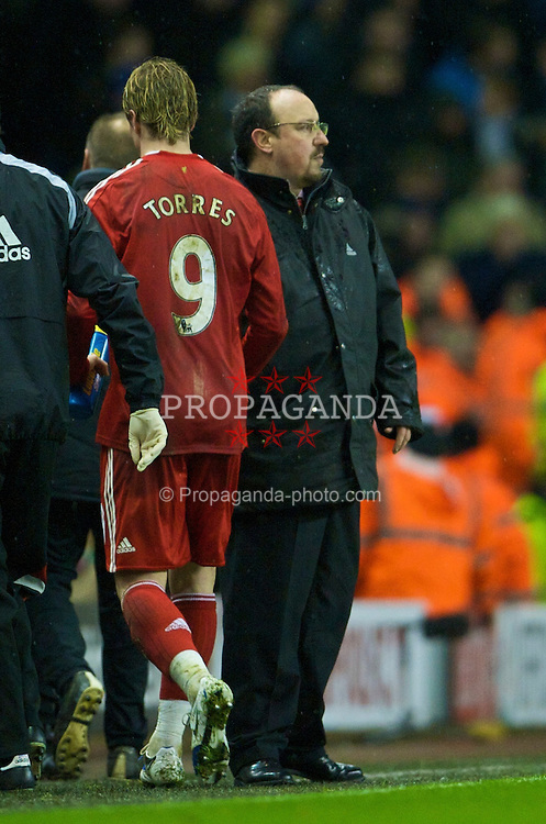LIVERPOOL, ENGLAND - Monday, January 19, 2009: Liverpool's manager Rafael Benitez substitutes Fernando Torres during the Premiership match against Everton at Anfield. (Photo by David Rawcliffe/Propaganda)