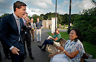"""VENLO - VVD-lijsttrekker Mark Rutte gaat met het publiek in discussie in een """"College Tour"""" setting tijdens zijn verkiezingscampagne op de Floriade."""