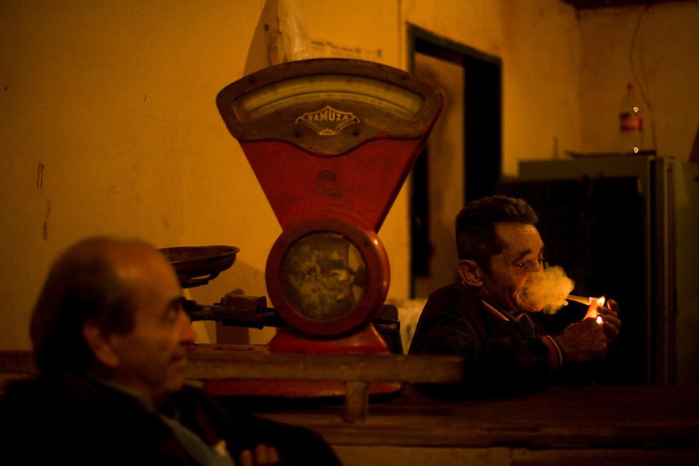 Bom Despacho_MG, Brasil...Comerciante em estabelecimento localizado na BR 262 em Bom Despacho, Minas Gerais...Trader in establishment located at the BR 262 in Bom Despacho, Minas Gerais...Foto: LEO DRUMOND / NITRO