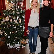 NLD/Amsterdam/20111208- Sky Radio Christmas tree for Charity, Nance Coolen en Minousch Jorissen