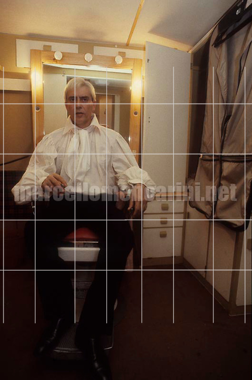 Rome 1983. Theater director and actor Carmelo Bene in his dressing room after a show / Roma 1983. L'attore e regista teatrale Carmelo Bene in camerino dopo uno spettacolo - © Marcello Mencarini