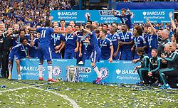 Chelsea's Didier Drogba get the rest of the chelsea team celebrating. - Photo mandatory by-line: Alex James/JMP - Mobile: 07966 386802 - 24/05/2015 - SPORT - Football - London - Stamford Bridge - Chelsea v Sunderland - Barclays Premier League