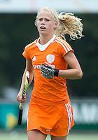 EINDHOVEN - Lisa Scheerlinck, zaterdag bij de oefenwedstrijd tussen het Nederlands team van Jong Oranje Dames en dat van de Vernigde Staten. Volgende week gaat het WK-21 in Duitsland van start. FOTO KOEN SUYK
