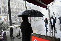 February 5, 2018 - Paris, Ile-de-France, France - Huge cold wave on europe caused snow on Paris, France, on 5 February 2018. Much of France, including Paris was on alert for snow and ice on February 5 as a cold front swept across the country. (Credit Image: © Julien Mattia/NurPhoto via ZUMA Press)