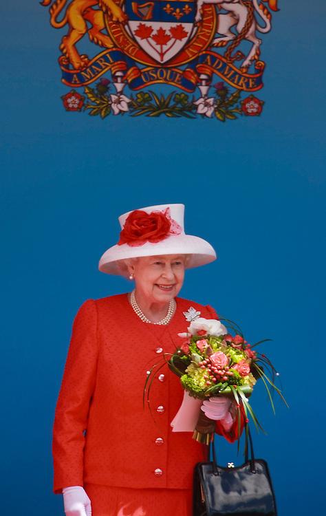 Queen Elizabeth II takes her place in the Royal Box on stage for Canada Day celebrations on Parliament Hill  in Ottawa, Ontario, July 1, 2010. The Queen is on a 9 day visit to Canada. <br /> AFP/GEOFF ROBINS/STR