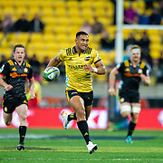 Juian Savea runs during the  super rugby union quarter final game played between Hurricanes<br />  v Chiefs , on 20 July 2018, at Westpac Stadium, Wellington, New  Zealand.   Hurricanes won 32-12.