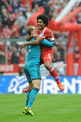 15.02.2014, Allianz Arena, Muenchen, GER, 1. FBL, GER, 1. FBL, FC Bayern Muenchen vs SC Freiburg, 21. Runde, im Bild Freude bei Dante (FC Bayern Muenchen) nach seinem Tor zum 1:0 Links Torwart Manuel Neuer (FC Bayern Muenchen) // during the German Bundesliga 21th round match between FC Bayern Munich and SC Freiburg at the Allianz Arena in Muenchen, Germany on 2014/02/15. EXPA Pictures © 2014, PhotoCredit: EXPA/ Eibner-Pressefoto/ Stuetzle<br /> <br /> *****ATTENTION - OUT of GER*****