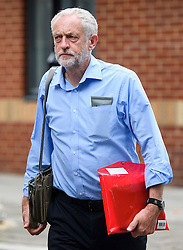 © London News Pictures. 28/07/2016. London, UK. Labour Party leader JEREMY CORBYN returns to his London home following a verdict at the Royal Courts of Justice which upheld a decision by the NEC to guarantee Corbyn a place on the Labour Party leadership ballot.  Photo credit: Ben Cawthra/LNP