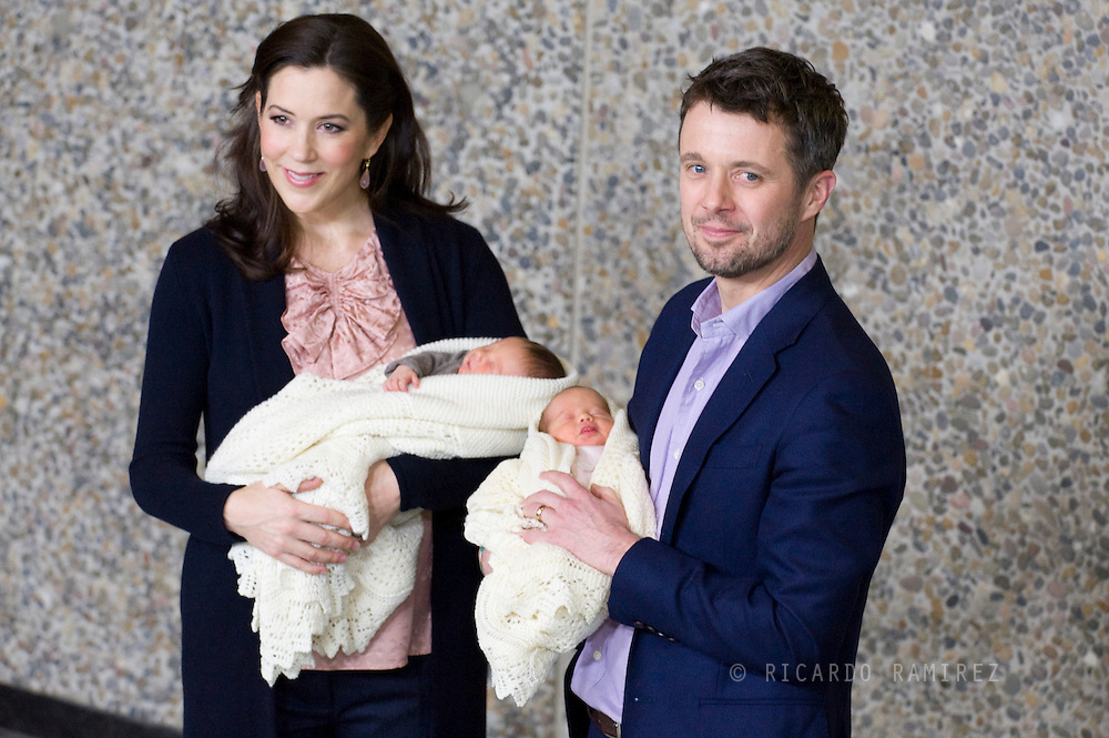 14.01.11. Copenhagen, Denmark.  Crown Prince Frederik and Crown Princess Mary with the twins leave the Copenhagen University Hospital. Mary arrived at the hospital on Saturday 8 at 7.30 am, the first born was a boy weighs 2,674 grammes. The boy is 47 centimetres and the girl is 46 centimetres. The first birth took place at 10.30 a.m. The twins are the first twins born into the direct line of succession to the Danish monarchy since 1660 when the laws of succession were introduced.Photo: © Ricardo Ramirez