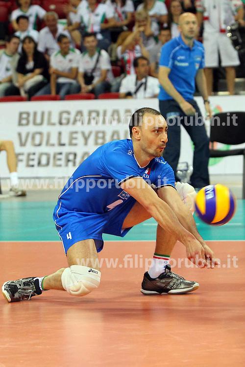 ANDREA BARI IN RICEZIONE.ITALIA - FINLANDIA.PALLAVOLO TORNEO QUALIFICAZIONE OLIMPICA VOLLEY 2012.SOFIA (BULGARIA) 08-05-2012.FOTO GALBIATI - RUBIN